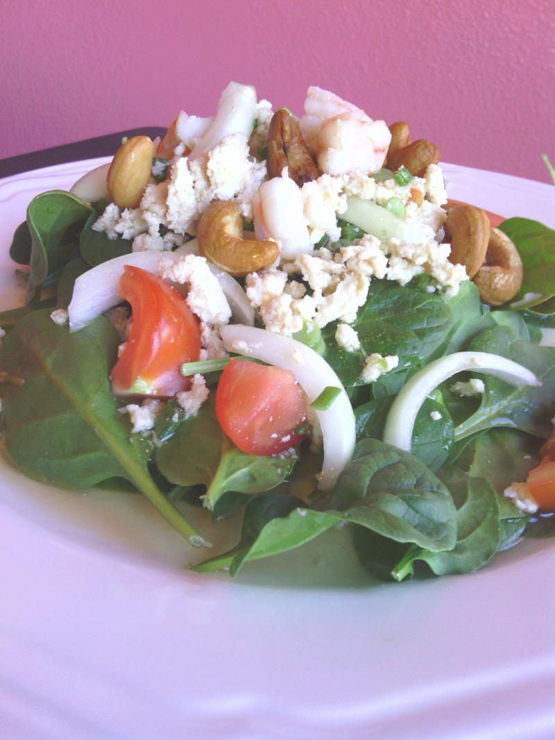 Fresh spinach salad